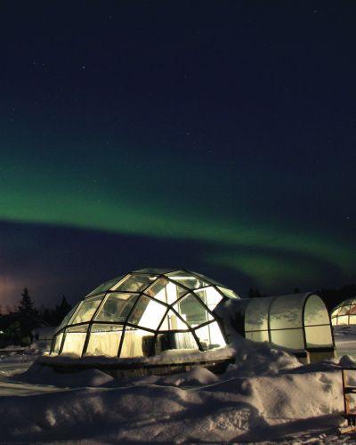 Opplev nordlyset fra en eksotisk snø iglo i Nord-Norge.
