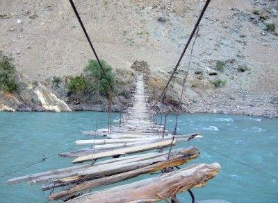 Touwbrug in de Astore Vallei, Pakistan