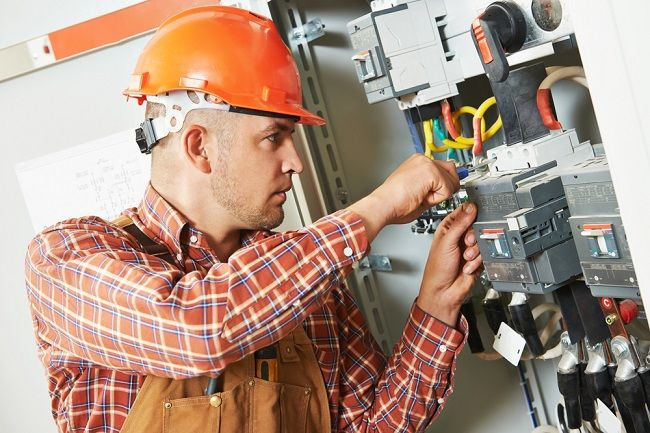 What Are The Functions Of A Commercial Electrician And How To Find One?