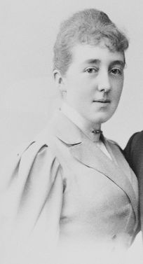 The Princess Feodora of Hohenlohe-Langenburg (1866-1932). She was a daughter of Sovereign Prince Hermann and his wife, The Princess Leopoldine of Baden. She was the wife (1894-1904) and The Princess of Leiningen (1904-1932) as the wife of Emich The 5th Prince of Leiningen. Her children were The Prince Emich, Karl The 6th Prince of Leiningen, The Princes Hermann and Hesso, and The Princess Viktoria.