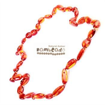 This premium amber necklace comes with smooth bean shaped amber beads in a cognac colour. Amber beads are finished in a polish compared to the standard bud range. The amber necklace is approx 50 cm in length. Bambeado amber is genuine baltic amber.     The Bambeado comes together with a plastic screw clasp. While Bambeado amber comes in several colours, the colour is just a matter of personal choice.