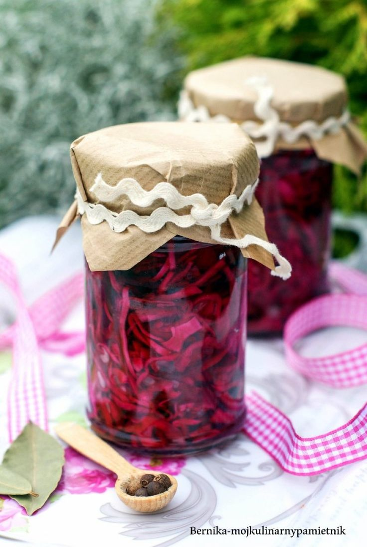 Red cabbage marinated in wine
