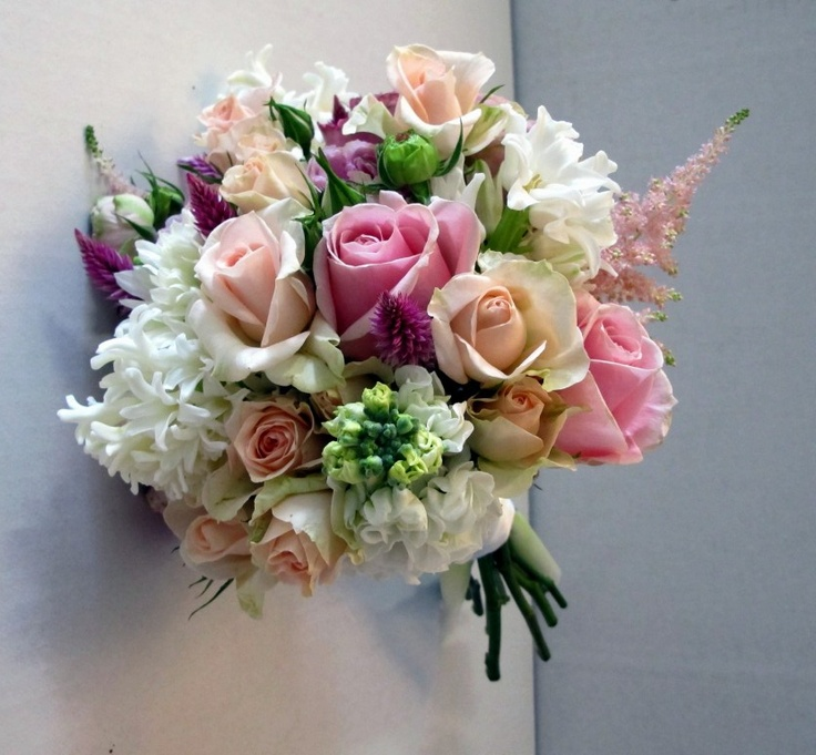 Created by the Sweet Floral team, this bouquet contains Roses in pink tones, stocks and hyacinths.