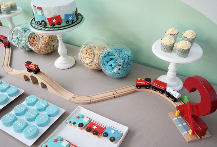 Mesa dulce para fiesta de trenes