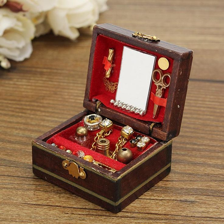 Wooden Jewelry Box in 2020 Dollhouse miniatures, Wooden
