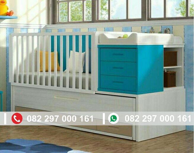 Box bayi kayu cantik merupakan tempat tidur bayi yang paling diminati ibu ibu saat ini, dengan warna perpaduan biru dan putih yang menarik.