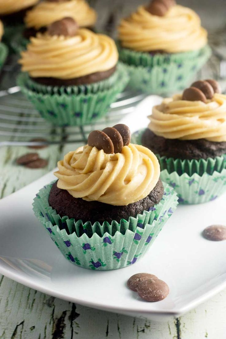 Intensely chocolaty cupcakes infused with a rich stout flavour & topped with a delicious peanut butter frosting