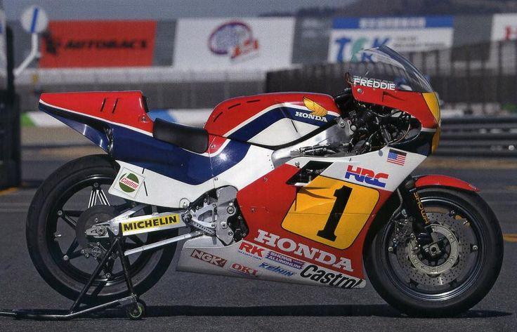 4stのNRでの再起が不可能と判断したHONDAは初めての2stレーサーNS500を WGPへ投入しました。  NS500 (1982)  エ...