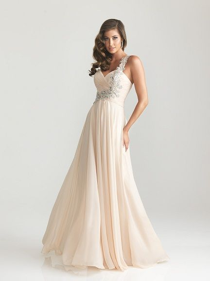 17 Best images about Ball Dresses on Pinterest | Prom dresses ...