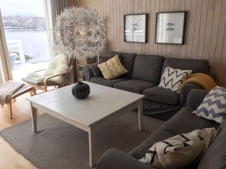 Sjekk ut dette utrolige stedet på Airbnb: Idyllisk Sjøhus med 5 soverom - Hus til leie i Gurskøy