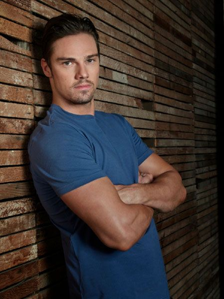 Beauty and the Beast Season 2 Promotional Cast Portraits - Jay Ryan as Vincent Keller