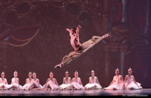 Attualià: #Aperte le #iscrizioni alla scuola di ballo del Teatro San Carlo di Napoli: ecco il bando (link: http://ift.tt/2i0Sh2L )