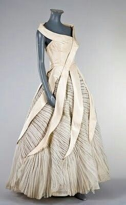 Beyond gorgeous Paquin dress from the 1950s!