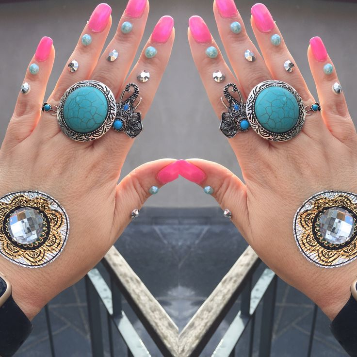 Dream Catcher.  ✨Temporary Tattoo✨  Mandala with Rhinestones.  www.facebook.com/stickertattoos www.etsy.com/shop/stickertattoos www.instagram.com/metallicstickertattoos  #LOVE  ❤️