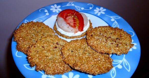 Για να φτιάξω τα κράκερς έκανα κάποιες αλλαγές στη συνταγή με τα μπισκότα .