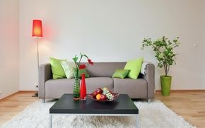 Обои комната, диван, вазы, столик, цветок, светильник, подушки, фрукты