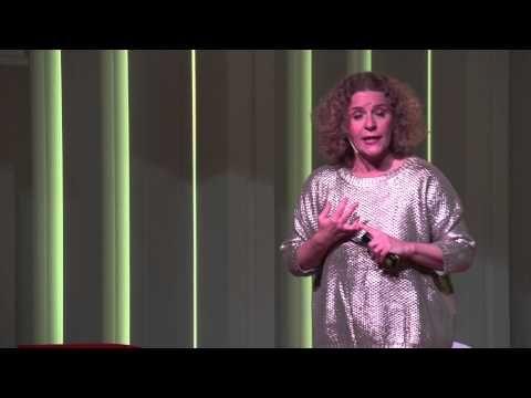 ¿Cómo cambiar el paisaje de la educación? | Maria Acaso | TEDxBarcelonaED - YouTube
