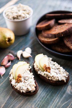 Nivová pomazánka s ořechy a hruškou