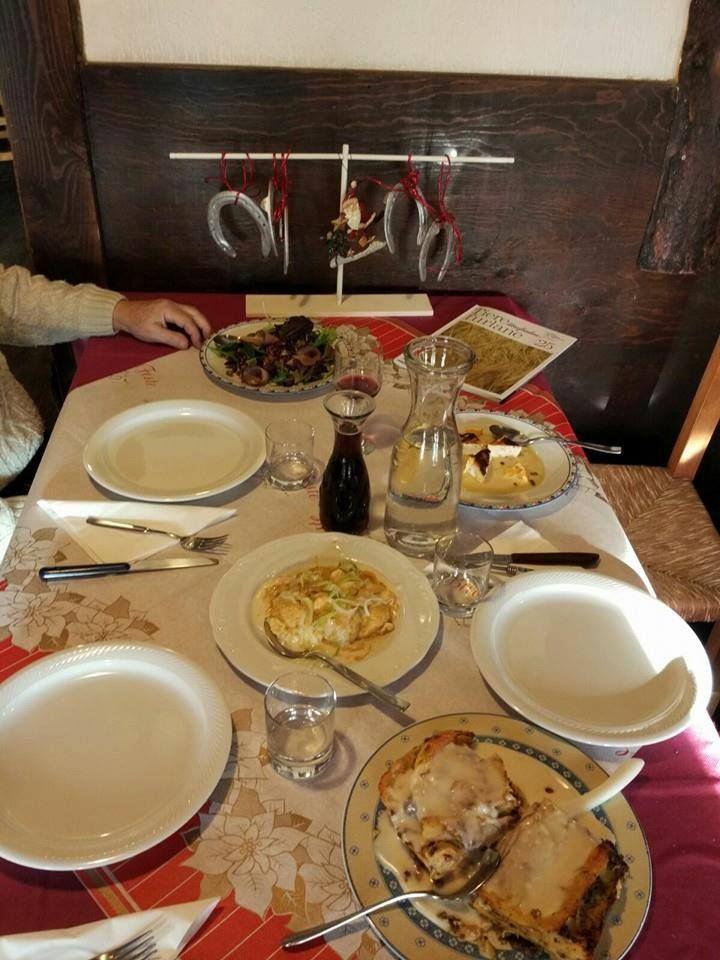 Terra Friulana ....la tavola informale nelle serate delle feste FVG con il Toc in Braida al centro della tavola by Lady and chef Silvana