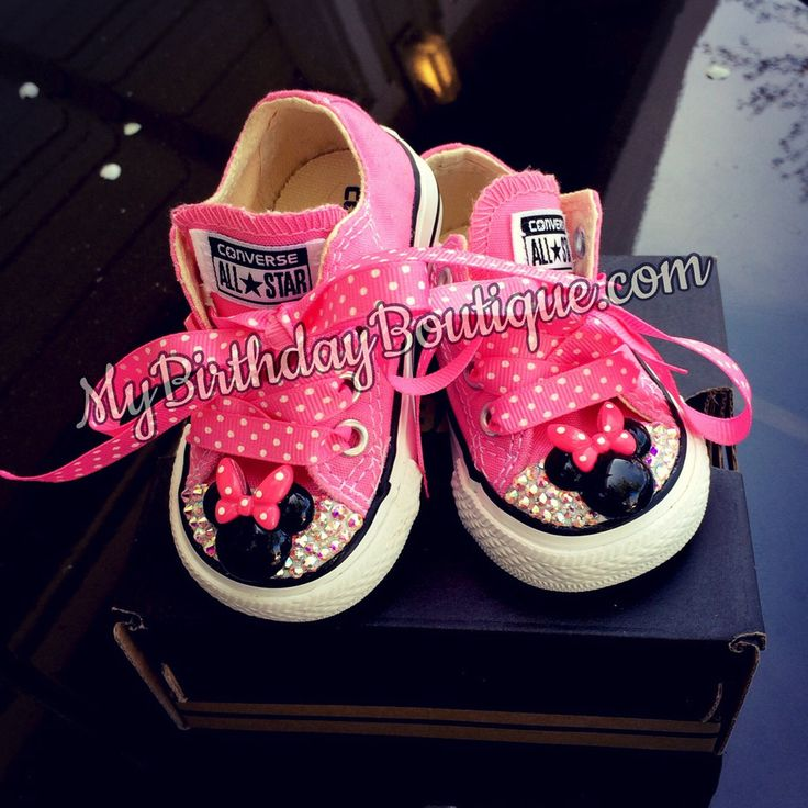 Minnie Mouse first Birthday Shoes, pink Swarovski converse