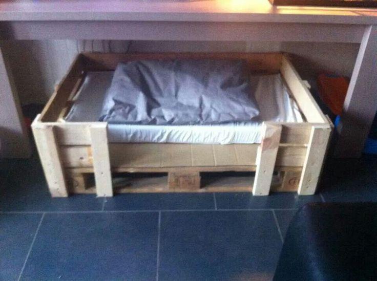 les 24 meilleures images concernant lit pour chien sur pinterest. Black Bedroom Furniture Sets. Home Design Ideas