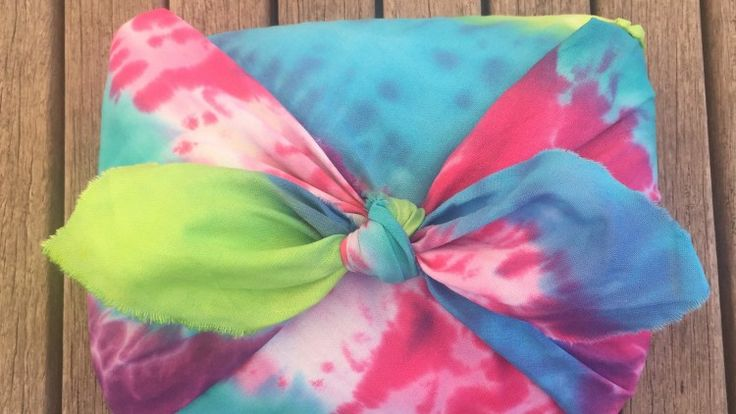 Permalink to DIY Tie Dyed Gift Wrap