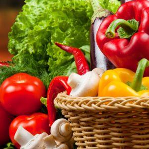 Ovisno o njegovoj boji, povrće sadrži različite vitamine, minerale i ima nutritivne vrijednosti. Evo kratkog vodiča za povrtni svijet boja.
