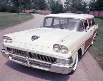 1958 Ford Country Squire (79E)