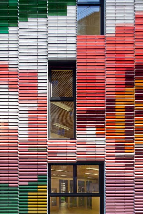 Paris plot with contrasting apartment blocks and a colorful kindergarten