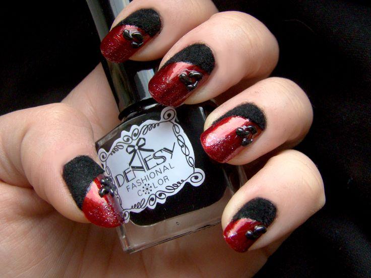 Gotycka czerwień i czarny welur