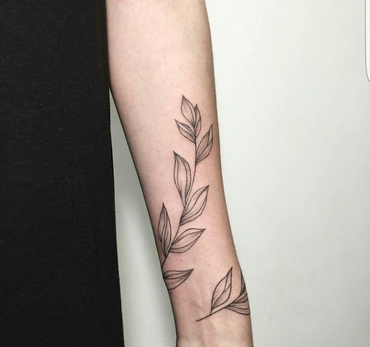 Pinterest: greeniexo #forearm_tattoo_minimalist