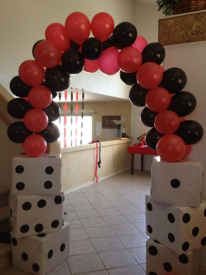 Dice balloon arch for my daughters vegas party casino for Balloon arch decoration ideas