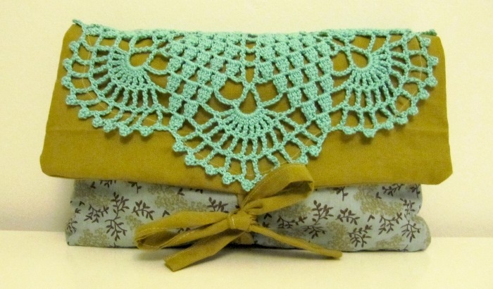 Turquoise & green clutch bag (07/2012)