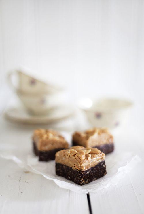 Raw choklad och jordnötsbrownie | Det gröna skafferiet