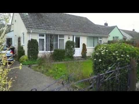 Detached Bungalow For Sale In Village Setting. Call Maria on 01305 251800 now!