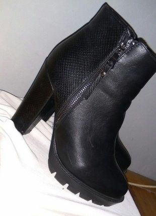 Kup mój przedmiot na #vintedpl http://www.vinted.pl/damskie-obuwie/na-wysokim-obcasie/16227639-buty-botki-na-platformie-z-obcasem