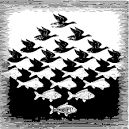 Dit is ritme omdat de vissen veranderen in vogels maar ze blijven op een gelijkmatige afstand van elkaar zwemmen of vliegen. Er zit ritme in.