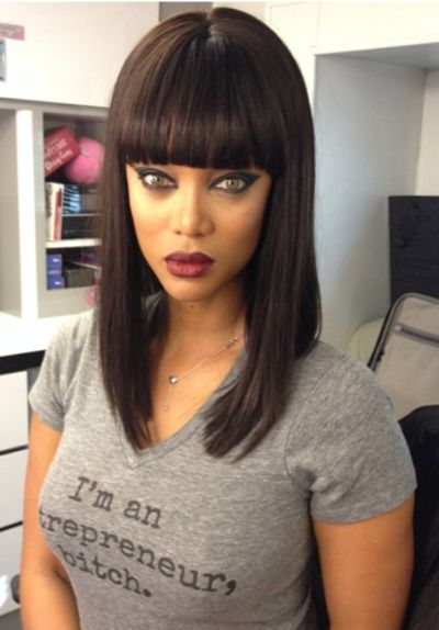 her face , her hair and her shirt are perfection !!!