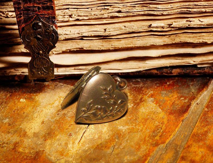 Антикварный кулон медальон для фото Франция Начало ХХ века.