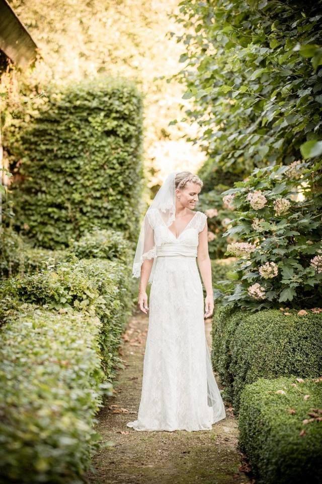 Credit: Eppel Fotografie - huwelijk (ritueel), portret, buitenshuis, een, natuur, jurk, vrouw, bloem (plant), park, bruid, volk, volwassen, tuin, zomer