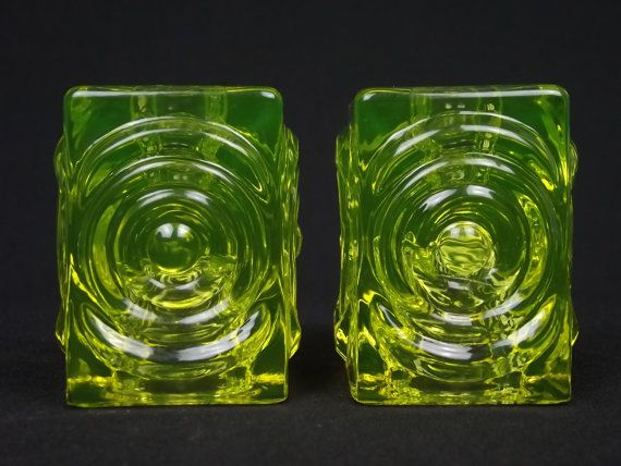 Pair of Riihimaki 'Rengas' uranium glass candle holders by Tamara Aladin