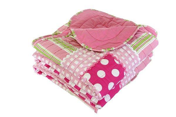 How divine is the Emma Comforter! #patersonrose #girlslinen #girlsrooms #girlsbedroomdecor #childrensbedrooms #emma #pink