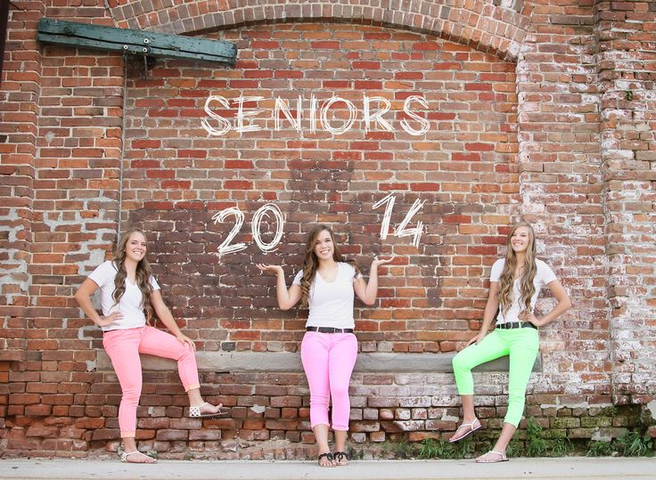 senior pictures by get kara'd away. Definitely want senior pics with my best friends