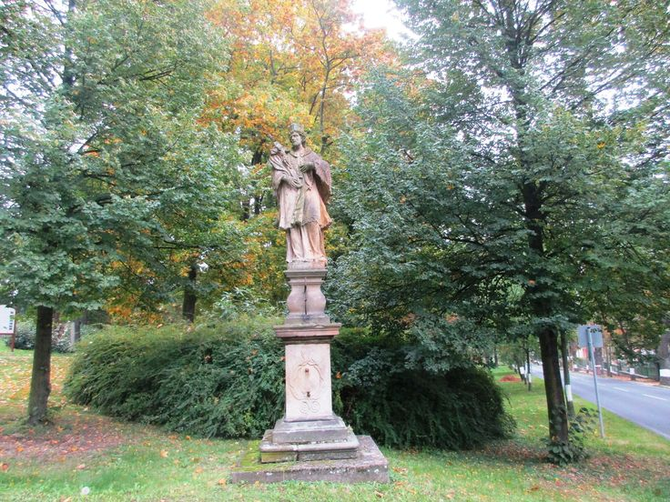 Socha v parku - Kadaň - Česko