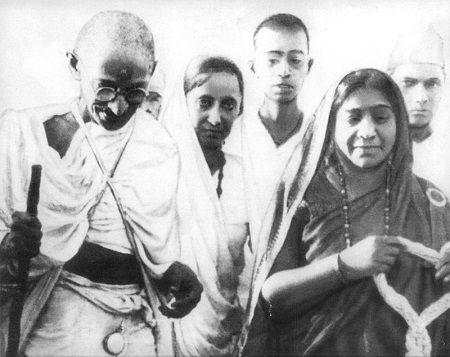 La gobernadora india, Sarojini Naidu (1879-1949) http://www.mujeresenlahistoria.com/2014/11/la-gobernadora-india-sarojini-naidu.html