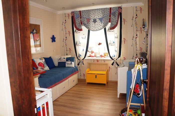 Детская комната для мальчика, детская в морском стиле, шторы в детской