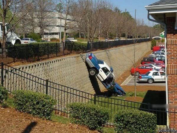 Hidden speed trap Police humor, Cops humor, Bad parking