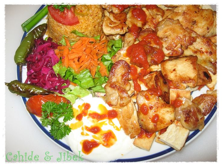 Turkish food (iskender kabab) ESSELÂMÜ ALEYKÜM Gurbetimtihanı, insana gerçektende olumlu manâdadeneyimler katıyor elhamdulillâh. Çoğu insanın gereksiz yere özenti duyduğu Avrupaî kültürlerin ya…