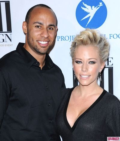 Kendra Wilkinson says divorcing Hank would be stupid! {Click to find out why!}