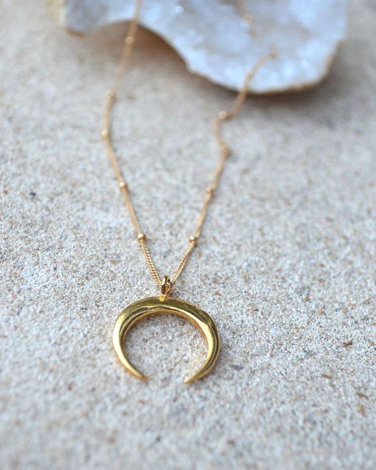 Crescent love 🌙 🌙 The popular #Crescent #necklace soon back in stock✨✨#chokers #doublehorn #delicatejewelry #jewelry #jewelrylover #layeringnecklace #goldnecklace #australianjewellerydesigner #perthvibes #perthblogger #Perth #designerjewelry #festivalstyle #designerjewellery #jeweleries #bloggerfashion #bohoglam #bohostyle #fashionjewelry #fashionstylist #musthave #accessories #jewelrydesigner #jewellerydesign #sterlingsilver #semiprecious #latestjewelry